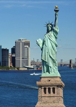 《 酒店打工兼差》熱烈徵求→§New York紐約法拉盛區(夜總會) §