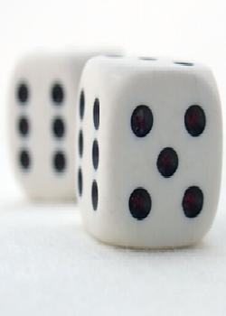 《 八大行業 》吹牛-骰子遊戲的技巧